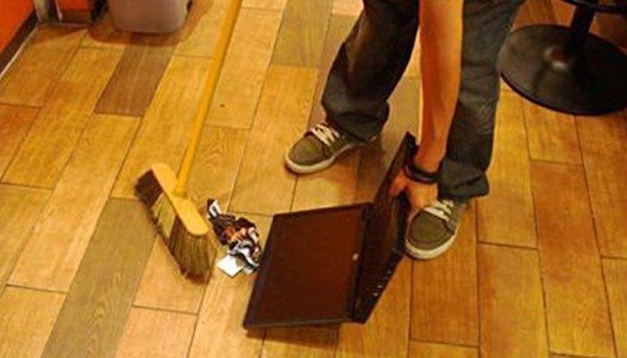 """Với các """"thánh"""" chịu chơi thì việc dùng máy tính xách tay để làm đồ hốt rác là bình thường"""