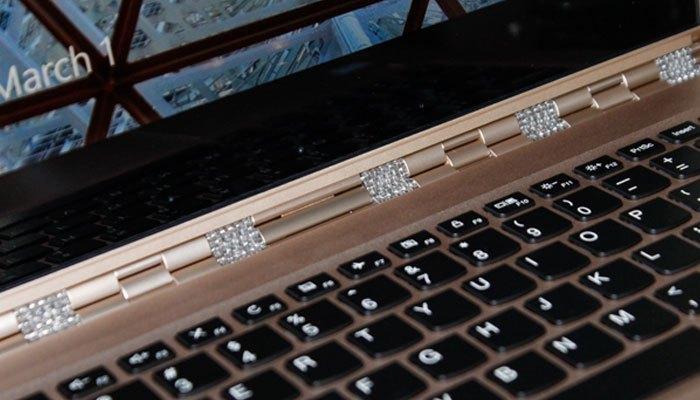 Laptop Lenovo Yoga 910 thời gian dùng pin dài