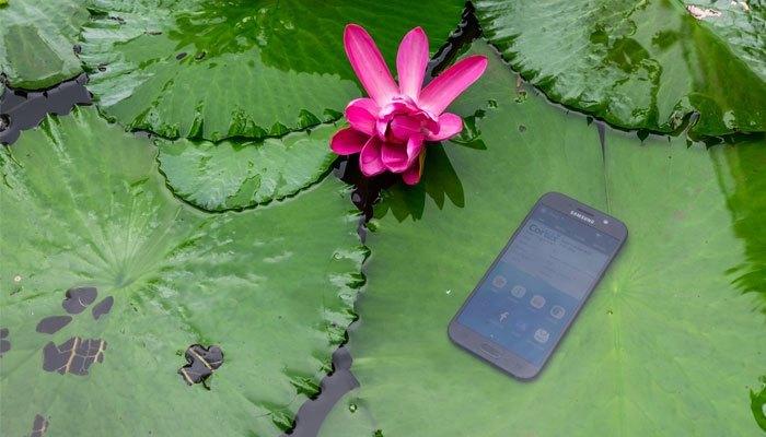 Điện thoại Galaxy A 2017 chống nước dễ dàng