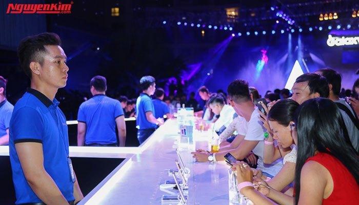 Khu vực trải nghiệm thực tế điện thoại Samsung Galaxy A 2017 được nhiều người yêu thích