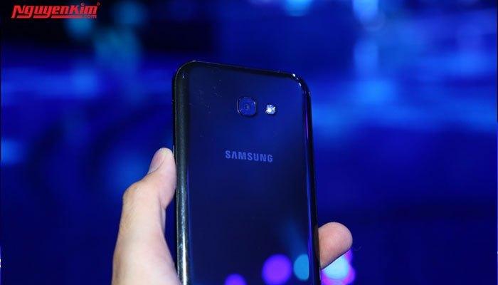 Cả camera điện thoại Samsung Galaxy A 2017 cũng ấn tượng không kém