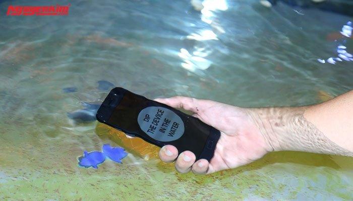 Galaxy A 2017 chống nước IP68