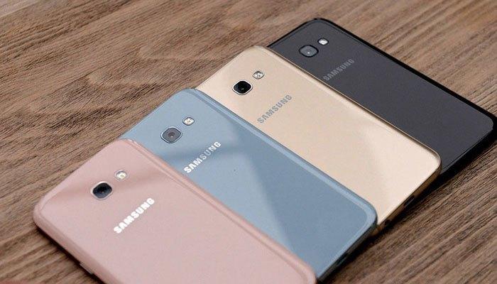Điện thoại Galaxy A3 2017 có dung lượng pin 2350 mAh