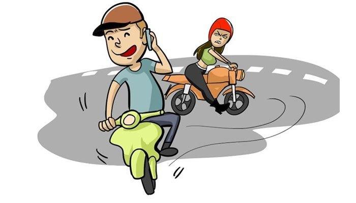 Việc vừa nghe điện thoại vừa lái xe sẽ làm phân tâm khi lái xe, khó phản ứng kịp các tình huống bất ngờ.