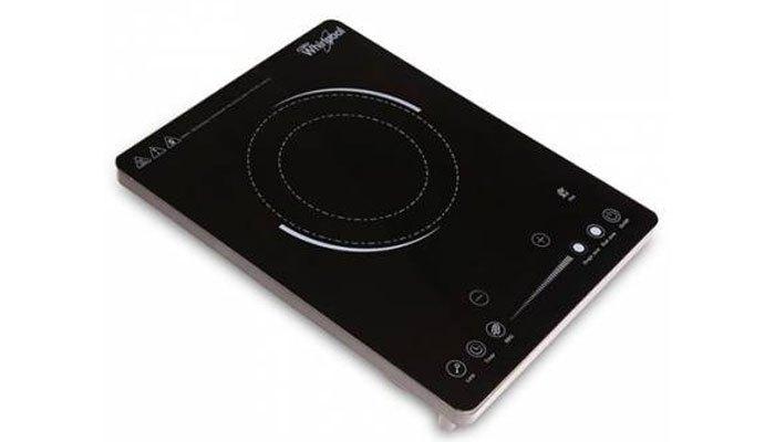 Thiết kế đẹp mắt của bếp hồng ngoại Whirlpool sẽ khiến mẹ bạn vừa lòng