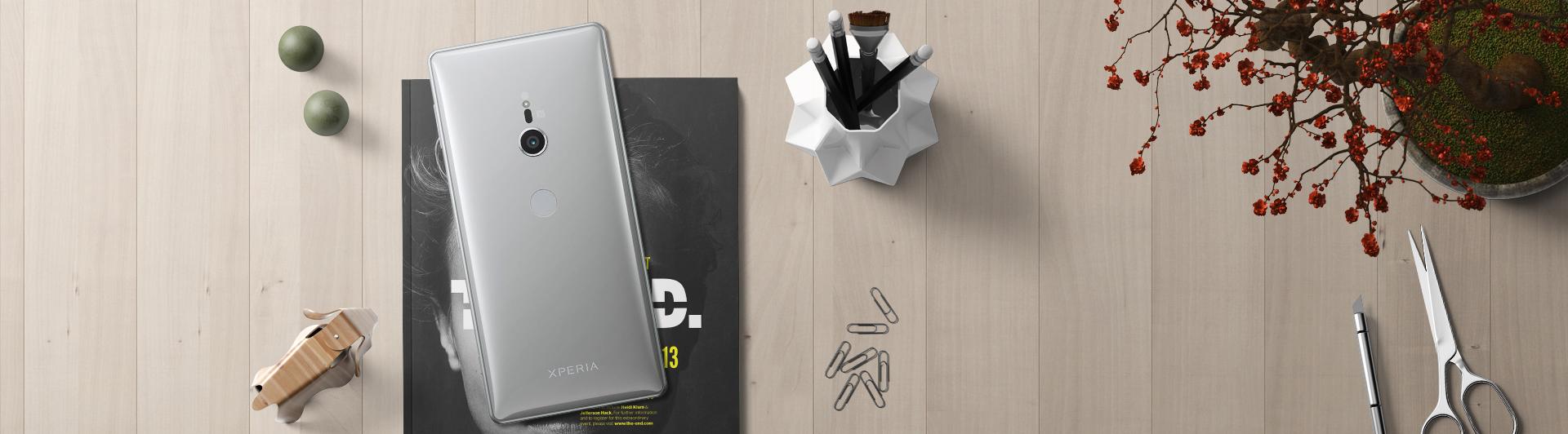 Điện thoại Sony Xperia XZ2 màu bạc mặt sau
