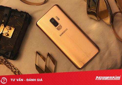 Đánh giá Galaxy S9+ Hoàng Kim