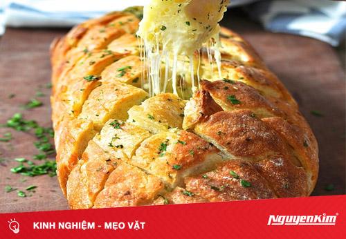 Làm bánh mì kẹp phô mai với lò nướng