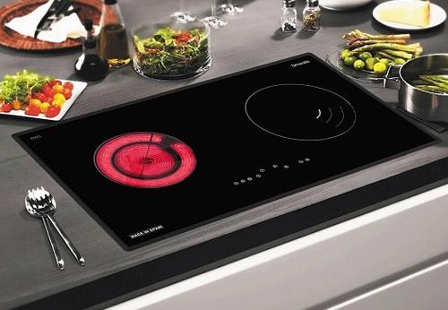 Chị em nên chọn bếp từ hay bếp hồng ngoại dùng trong gia đình?