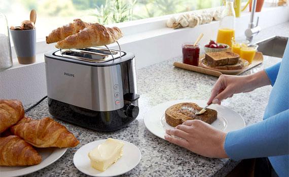 Vỉ bánh lắp sẵn trên lò nướng Philips HD2637