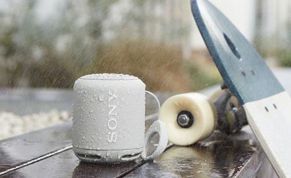 Loa không dây Sony SRS-XB10/WC E chống tia nước