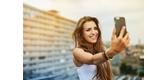 Selfie Là Gì? 10 Mẹo Chụp Ảnh Selfie Đẹp Từ Các Vlogger