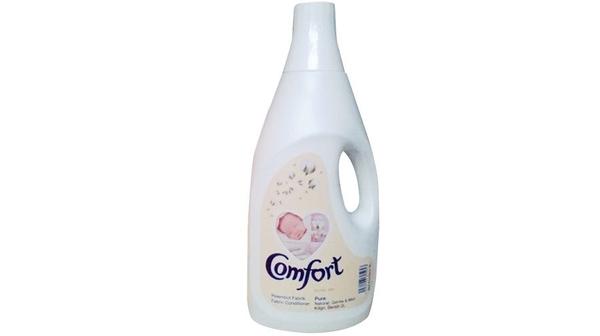 Nước xả vải Comfort trắng 2 lít thiết kế dạng chai tiện dụng