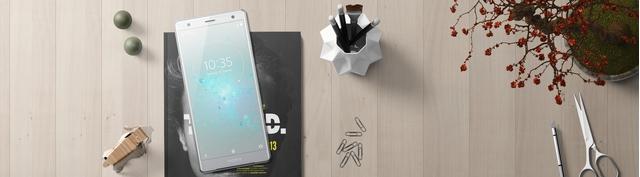 Điện thoại Sony Xperia XZ2 màu bạc mặt trước
